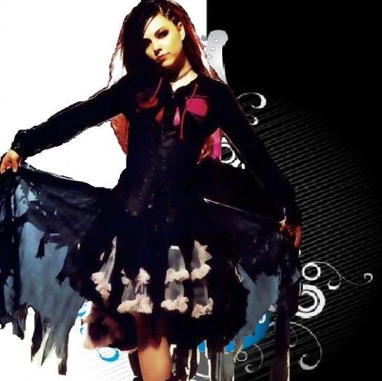Amy Lee Fashion Image1